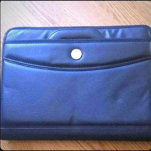 Other - NEW Laptop Case Black Retractable Handles